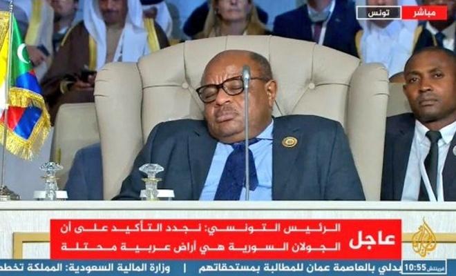 Arap Birliği Zirvesi'nde uyku ön plandaydı
