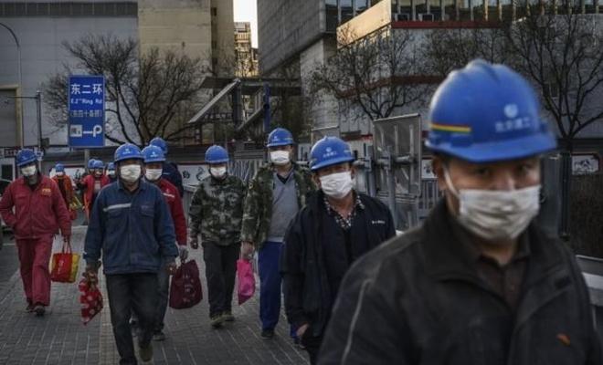 Çin 5 günde geçici hastane inşa etti