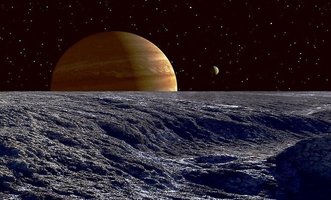 Jüpiter'in uydusu Europa'da su buharı bulundu!