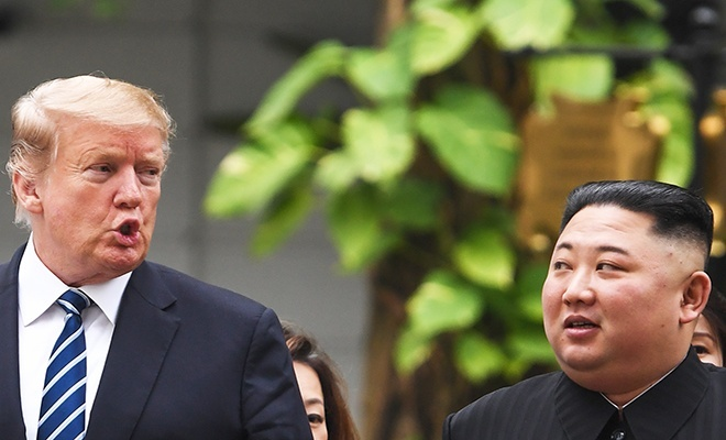 Trump: Kim, füze denemeleri için özür diledi?