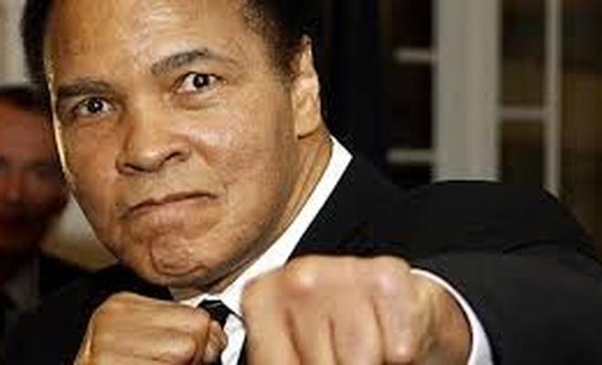 Muhammed Ali rahmetle anılıyor
