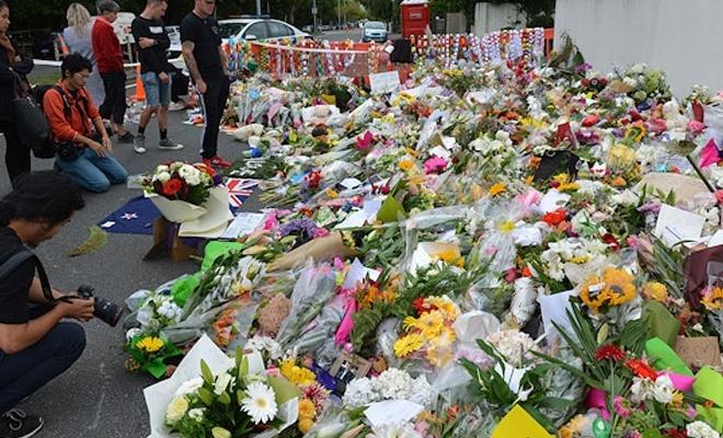 Yeni Zelandalılar silahlarını bırakıyor
