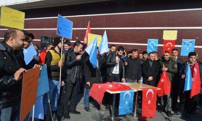 Doğu Türkistan`daki Müslümanlara sahip çıkın