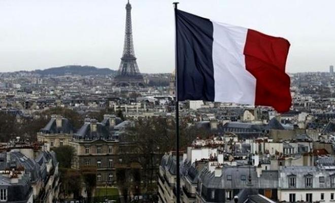 Fransa'da ayrımcı tasarıya ibadeti yasaklayan madde eklendi