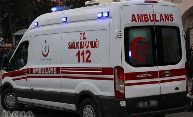 TIR`la otomobil çarpıştı: 5 ölü