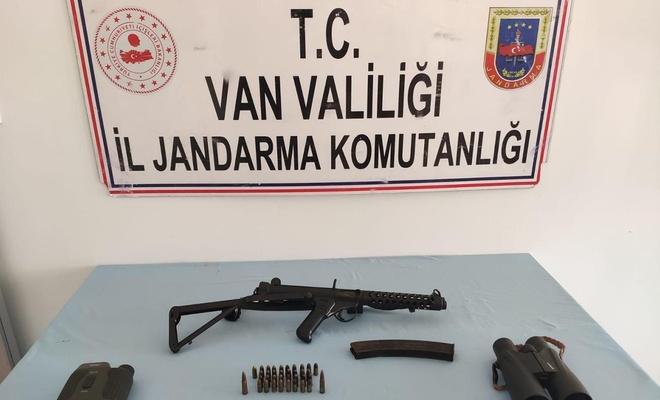 Van'da düzenlenen PKK/KCK operasyonunda mühimmat ve yaşam malzemesi ele geçirildi