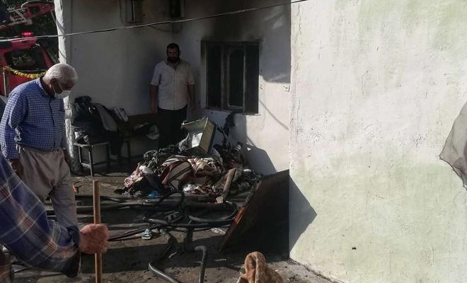 Evleri yanan yaşlı çift yardım bekliyor