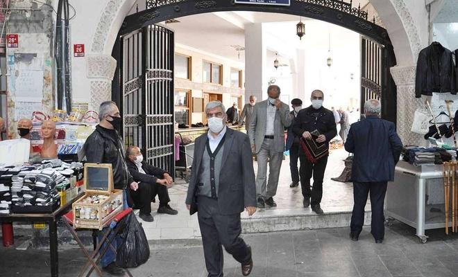 Ramazan ayını sevinçle karşılayan halk: Tek burukluğumuz teravih namazını camide kılamamak