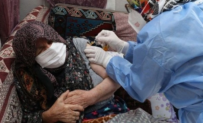 85 yaş ve üstündekilerin Kovid-19'a karşı aşılanmasının hızla tamamlanması planlanıyor