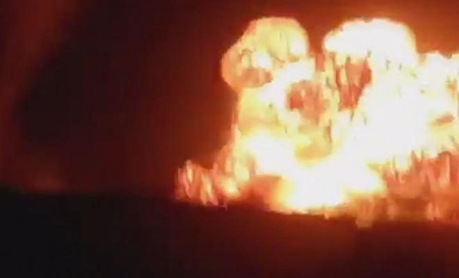 Pakistan'da yol kenarına yerleştirilen bomba patladı: 5 ölü, 2 yaralı