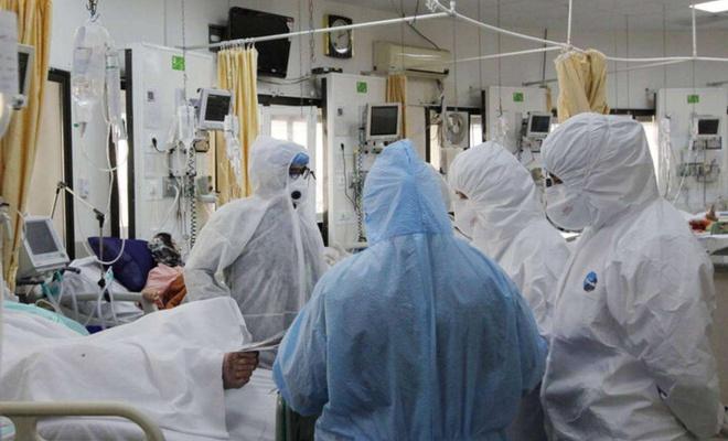 İran'da son 24 saatte 8 bin 330 Covid-19 vakası tespit edildi
