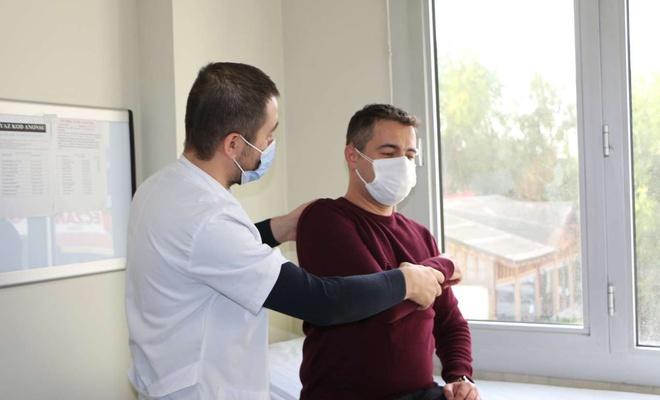 Skolyoz tedavi edilmezse kalp ve akciğer sorunlarına yol açabiliyor