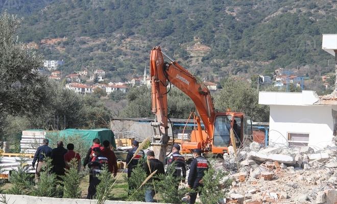 İmara aykırı binaların yıkımına devam ediliyor