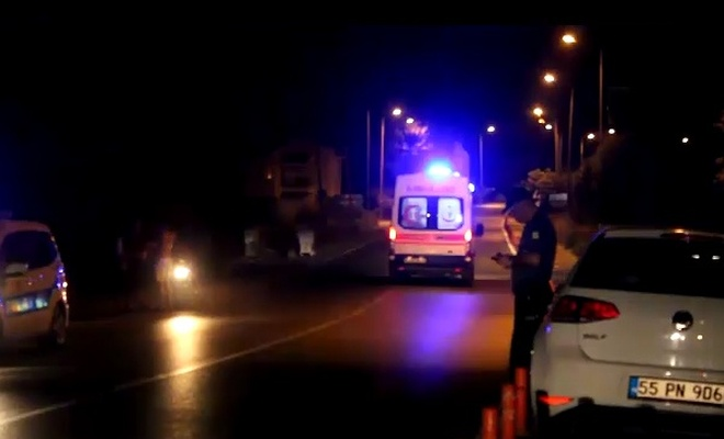 Balıkesir`de motosiklet devrildi: 1 ölü, 1 yaralı