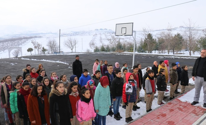 Malatya'da depremin en çok vurduğu 3 ilçede eğitim öğretime yeniden başlandı
