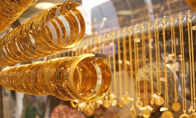 Gram altın 229 lira, çeyrek 370'i aştı