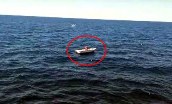 Denizde 3 gündür yardım bekleyen balıkçı kurtarıldı
