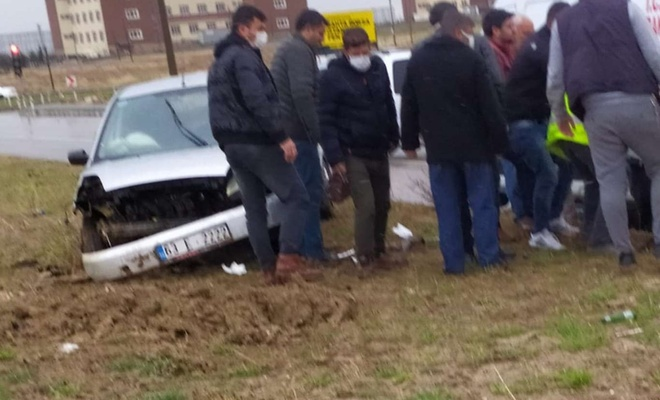 Refüje çıkan aracın sürücüsü yaralandı