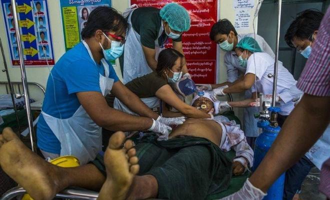 Tayland ve Vietnam, Myanmar'daki vatandaşlarını tahliye edecek