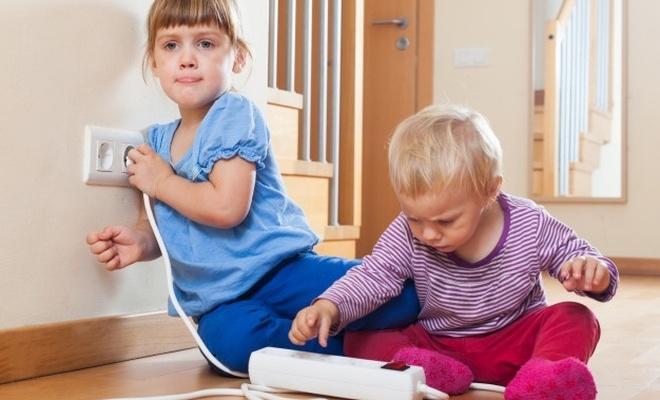 Bebekler için tehlikeli 10 ev eşyası!