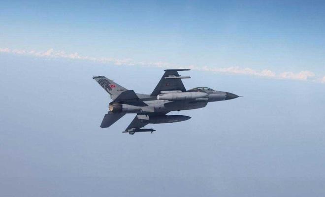 Hakurk bölgesine hava operasyonu: 3 PKK'li öldürüldü