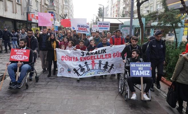 Engelliler farkındalık oluşturmak için yürüdüler