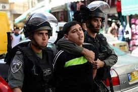 İşgal güçleri 10 Filistinliyi alıkoydu