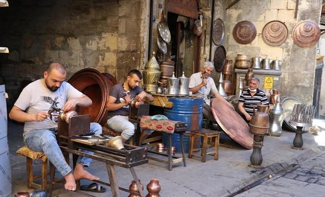 Gaziantep'in tarihi Bakırcılar Çarşısı'nda çekiç sesleri yeniden yükseldi