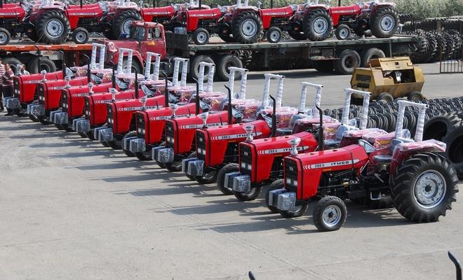 Yaptırımlara rağmen traktör ihraç ediyorlar
