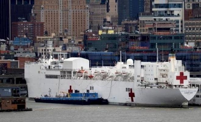 New York'a gönderilen hastane gemisinin mürettebatında koronavirüs tespit edildi