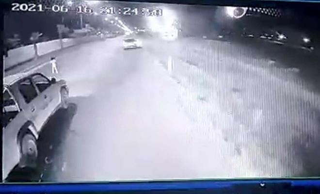 Yola çıkan kız çocuğunu araçların altında kalmaktan şehir içi şoförü kurtardı