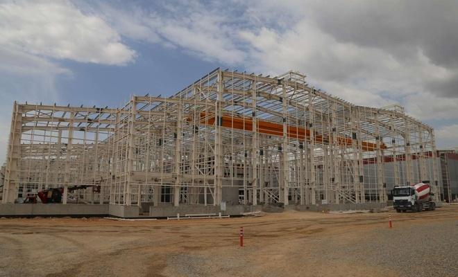 Ortadoğu'nun en büyüğü olduğu belirtilen çinko izabe tesisinin inşaatı sürüyor