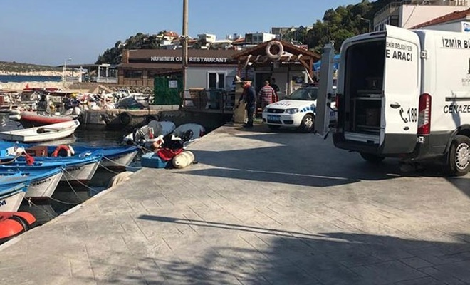 İzmir`de göçmenleri taşıyan tekne battı