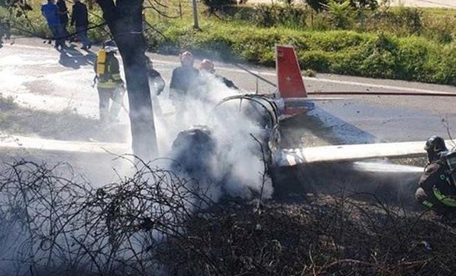 İtalya'da tek motorlu uçak düştü
