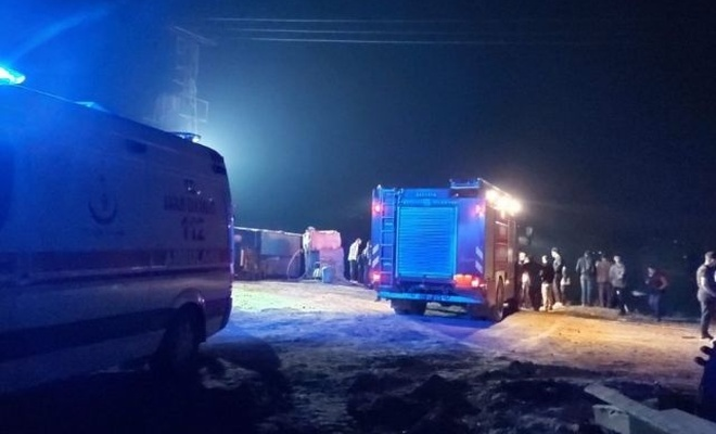 Sakarya Nehri'nde tekne alabora oldu: 1 ölü, 1 kayıp
