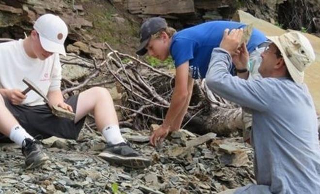 Kanadalı 2 çocuk 310 milyon yıllık fosil buldu