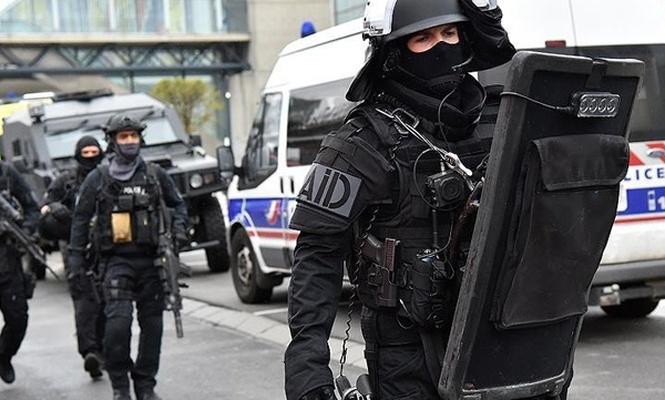 Fransa`da suikast timi yakalandı