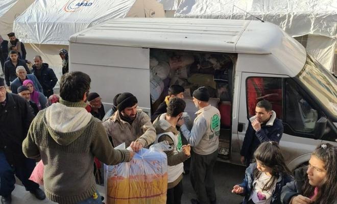 Elâzığ Umut Kervanı deprem bölgesinde yardım faaliyetlerine devam ediyor