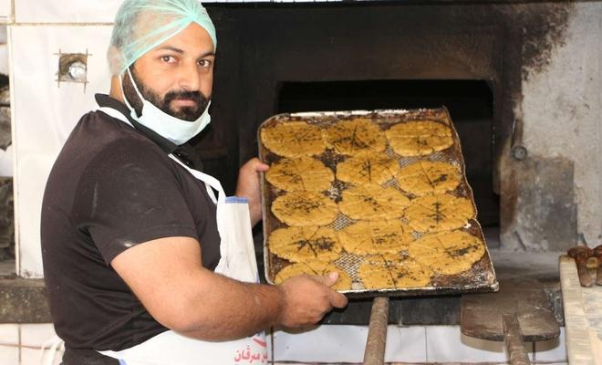 Ramazan sofrasının gözdesi olan çöreklerin siparişine yetişemiyor