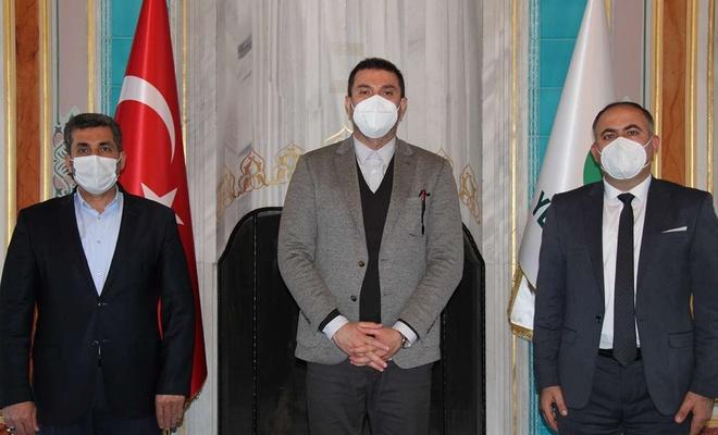 HÜDA PAR İstanbul İl Başkanı Elibüyük Yeşilay'ı ziyaret etti