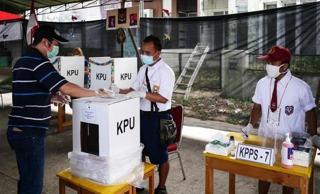 Endonezya'da 100 milyondan fazla seçmen sandık başında