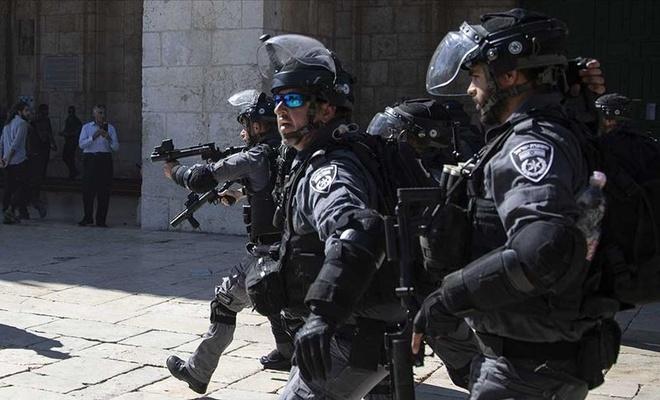 İşgal güçleri Batı Şeria'da 25 Filistinliyi gözaltına aldı