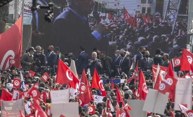 Tunus'ta Nahda Hareketinin 113 üyesi istifa etti