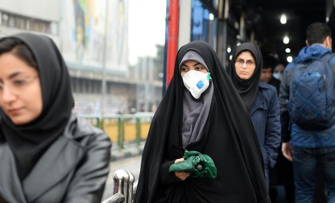 İran'da düğüne katılan yüzlerce kişi koronavirüse yakalandı