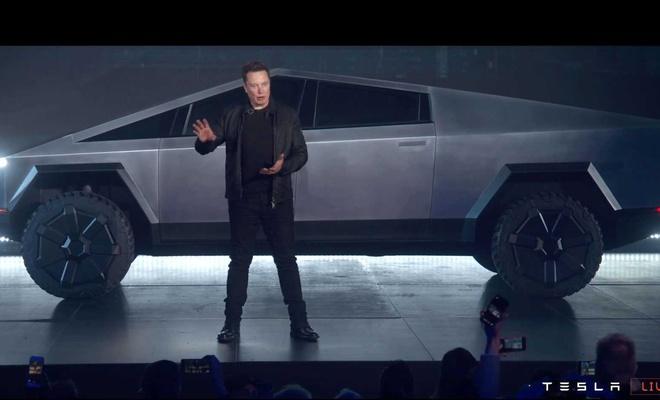 Tesla'nın yeni aracının tanıtımında camları kırıldı