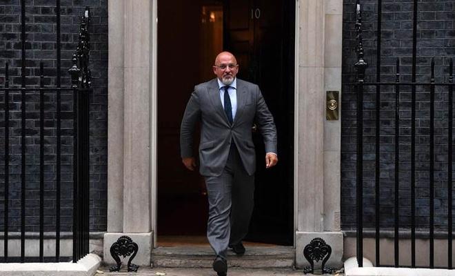 İngiltere'de Eğitim Bakanlığının başına bir Kürt getirildi