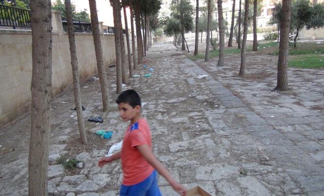 Mardin Ulu Cami'nin bahçesi çöplüğe döndü