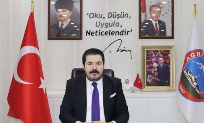 Ağrı Belediye Başkanı Savcı Sayan, 27 Mayıs Darbesi yıl dönümünde mesaj yayımladı