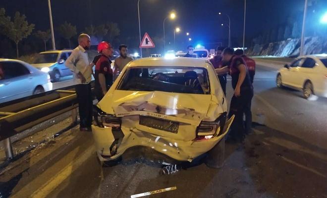 Şanlıurfa'da 5 aracın karıştığı zincirleme kazada 2 kişi yaralandı