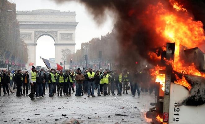 Fransız bakan: Sarı yeleklileri yabancı güç finanse etti